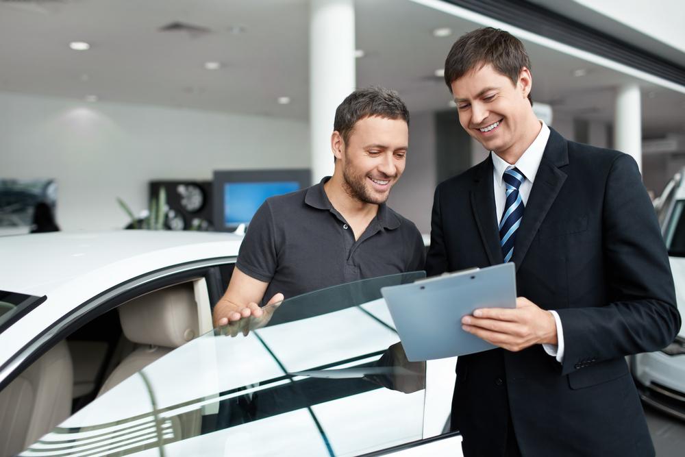 中古車購入時に任意保険の名義変更は可能?