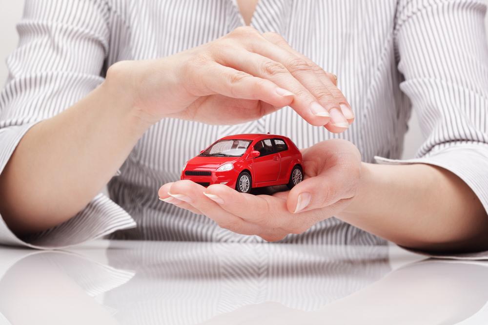 中古車購入時に検討すべき保険会社の種類をご紹介