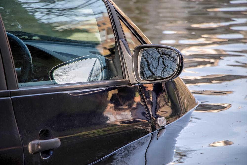 水没車や修復歴のある車に注意